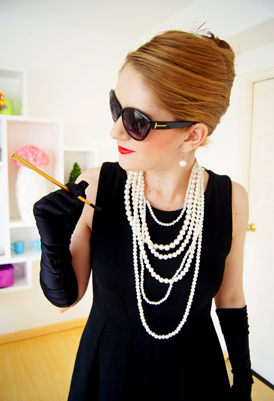 how to put together an audrey hepburn breakfast at tiffany s costume
