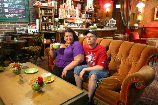 real central perk friends location